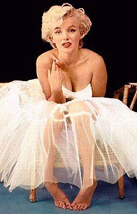 marilyn-in-white.jpg