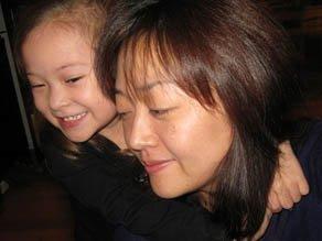 lee-euna-and-daughter